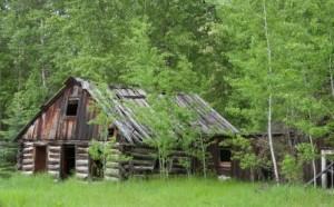 1700s farmhouse 11092672_s